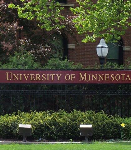 University_of_Minnesota_entrance_sign
