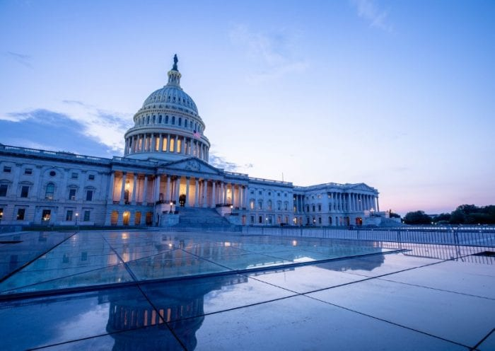 capitol-building-in-washington-dc-picture-id1176605881
